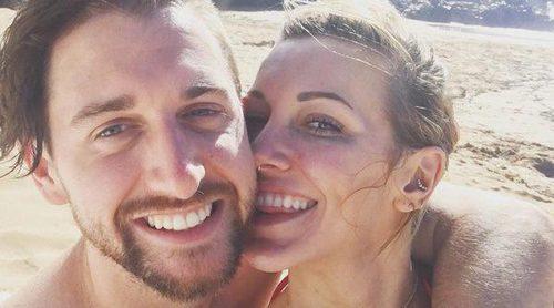Katie Cassidy anuncia su compromiso con Matthew Rodgers