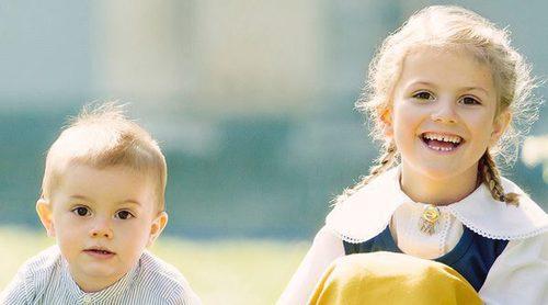 Estela y Oscar de Suecia: los nietos 'importantes' de los Reyes protagonizan el posado del Día Nacional