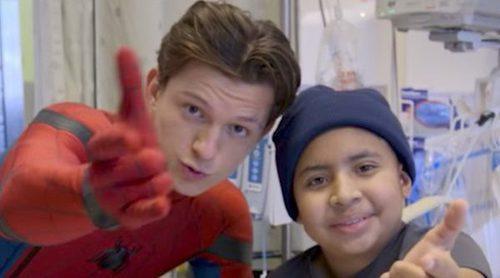 El Spiderman Tom Holland visita por sorpresa a los niños de un hospital de Los Ángeles