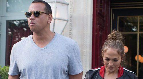 Jennifer Lopez y Alex Rodriguez, más enamorados que nunca por las calles de París