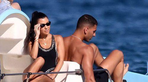 Las románticas vacaciones de Kourtney Kardashian y Younes Bendjima en St Tropez