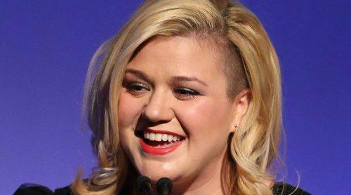 La brutal respuesta de Kelly Clarkson a un hater que le llama gorda