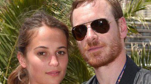 Michael Fassbender y Alicia Vikander disfrutan del verano en las playas de Formentera