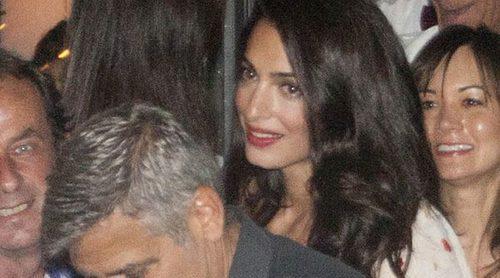 George Clooney y Amal Alamuddin salen a cenar al lago Como tras ser padres