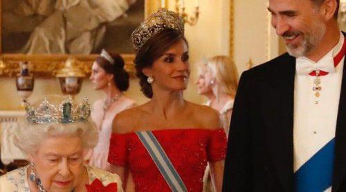 La cena de gala en honor a los Reyes Felipe y Letizia en Buckingham Palace: sonrisas, guiños y elegancia