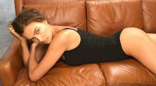 Irina Shayk vuelve al trabajo tras ser madre posando completamente desnuda