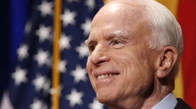 El senador de Estados Unidos John McCain tiene cáncer cerebral