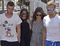 Amigos y familiares de Ángel Nieto acuden a visitarle al hospital tras su accidente