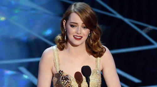 Emma Stone y Jennifer Aniston desbancan a Jennifer Lawrence como la actriz mejor pagada en 2017