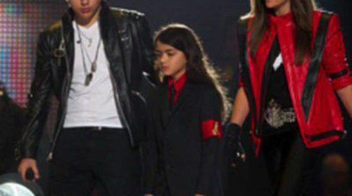 El guardaespaldas de Michael Jackson pide una prueba de paternidad de su hijo Blanket