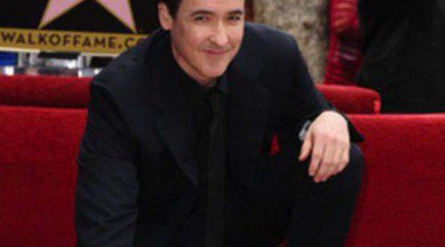 John Cusack estrena su estrella en el Paseo de la Fama de Hollywood