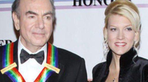 Neil Diamond se casa por tercera vez con su manager Katie McNeil