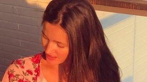 5b473cd50 Malena Costa presume de las ayudas de su hija Matilda mientras cortan el  pelo al pequeño