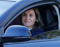 La Reina Letizia acompaña en solitario a la Princesa Leonor y la Infanta Sofía en su vuelta al cole