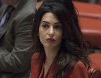 Amal Almuddin regresa al trabajo casi 4 meses después del nacimiento de sus mellizos con George Clooney