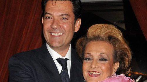 El hijo de Carmen Sevilla, Augusto Algueró, desmiente que su madre esté en estado crítico