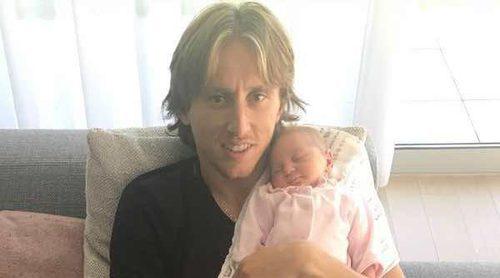Luka Modric presenta en sociedad a su hija Sofia