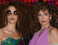 Amal Alamuddin y Cindy Crawford, irreconocibles e impresionantes en una fiesta de Halloween