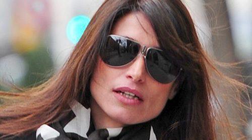 Sonia Ferrer es atracada por tres hombres encapuchados en un parking