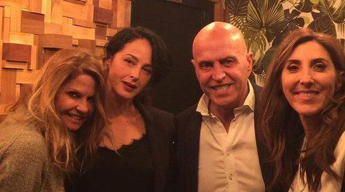 Paz Padilla recibe la visita sorpresa de Kiko Matamoros y Makoke en su restaurante