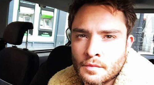 Ed Westwick lucha por limpiar su nombre apoyado por su novia tras ser acusado de violador
