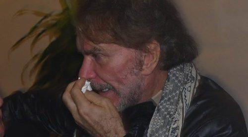 Paz Padilla y Bigote Arrocet lloran a Chiquito de la Calzada en la capilla ardiente instalada en Málaga