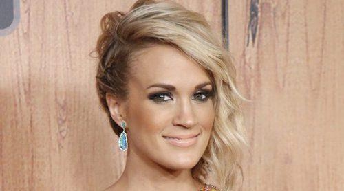 Carrie Underwood agradece todo el apoyo de sus fans tras romperse la muñeca al caerse por las escaleras