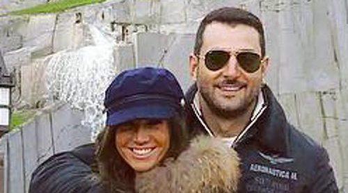 Antonio Velázquez y Marta González confirman su amor en París: 'Volver a sonreír'