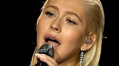 El gran cambio físico de Christina Aguilera en los AMAs 2017: ¿Maquillaje o retoque?