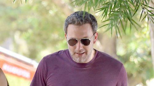 Ben Affleck vuelve a caer en el alcoholismo mientras se apoya en Jennifer Garner
