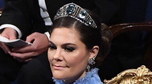 Victoria de Suecia disfruta de los Premios Nobel 2017 vestida de azul como una princesa de cuento