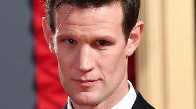 Matt Smith de 'The Crown' compara a Las Kardashian con la Familia Real Británica