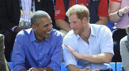 El Príncipe Harry, periodista por un día en una cercana y divertida entrevista con Barack Obama