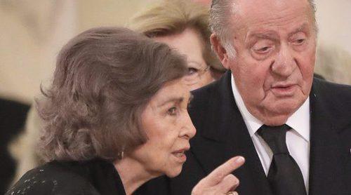 Los Reyes Juan Carlos y Sofía, anfitriones de una enorme comida familiar con 5 dolorosas ausencias