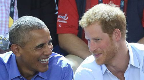 El Príncipe Harry le preguntó a Barack Obama si prefiere a Khloe o a Kim Kardashian