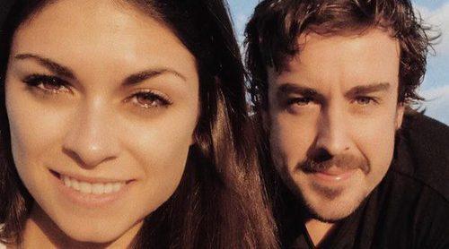 Linda Morselli y Fernando Alonso dan la bienvenida a 2018 muy enamorados