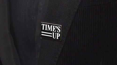 El pin de #TIMESUP, señal de protesta de los hombres en la gala de los Globos de Oro 2018