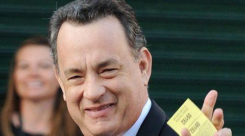 Tom Hanks, el rey de los martinis en los Globos de Oro 2018