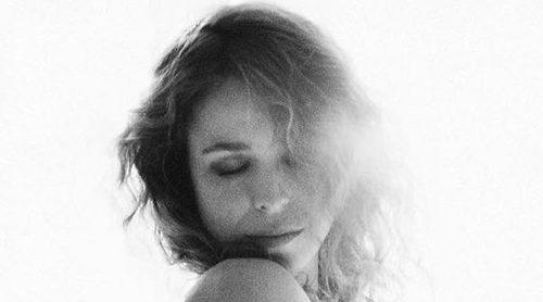 Silvia Abascal presume de la recta final de su embarazo completamente desnuda