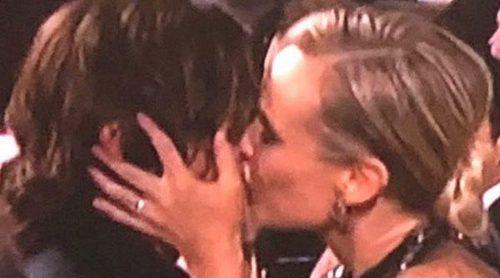 Diane Kruger y Norman Reedus pasean su amor por la alfombra roja de los Globos de Oro 2018
