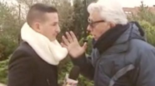 Andrés Caparrós agrede a un reportero al ser preguntado por el conflicto con su hijo Alonso Caparrós