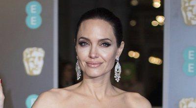 Angelina Jolie, Kate Mara y Salma Hayek tiñen de negro la alfombra roja de los BAFTA 2018 por Time's Up