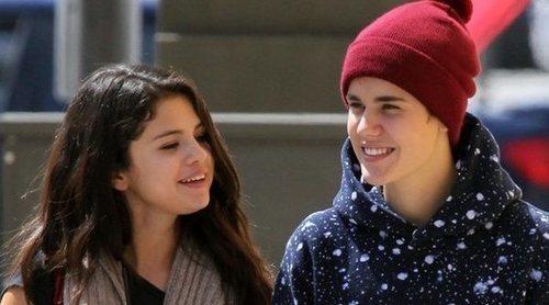 Selena Gomez y Justin Bieber se han dado un tiempo para que la familia de ella acepte al cantante