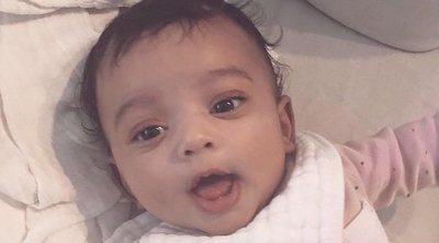 Kim Kardashian muestra la primera imagen de su hija Chicago en solitario