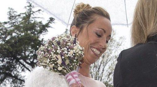 La nadadora Gemma Mengual le da el 'sí, quiero' a su marido en una boda pasada por agua