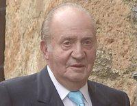 El Rey Juan Carlos recibe el alta tres días después de su operación de rodilla