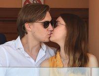 Alexandra de Hannover y Ben-Sylvester Strautmann derrochan amor en una jornada de tenis