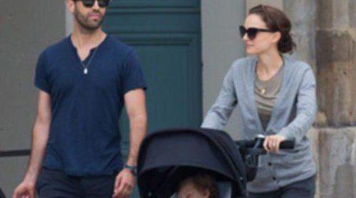 Natalie Portman disfruta paseando por París junto a Benjamin Millepied y su hijo Aleph