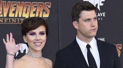 Scarlett Johansson y Colin Jost brillan en su debut como pareja sobre la alfombra roja