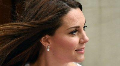Un grupo de madres critica a Kate Middleton en redes sociales por su aspecto al salir del hospital